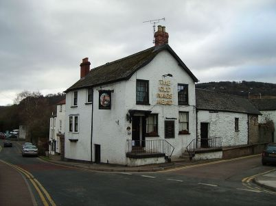 1200px-The_Old_Nag's_Head,_Monmouth_2